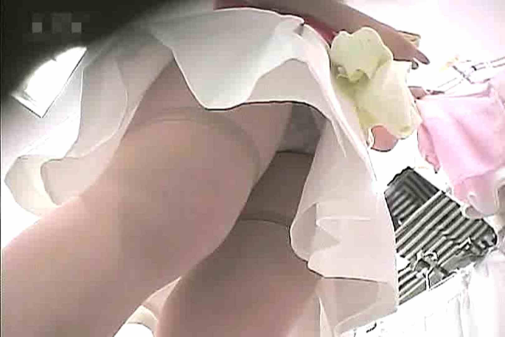 ショップ店員のパンチラアクシデント Vol.10 チラ 盗撮セックス無修正動画無料 60pic 31