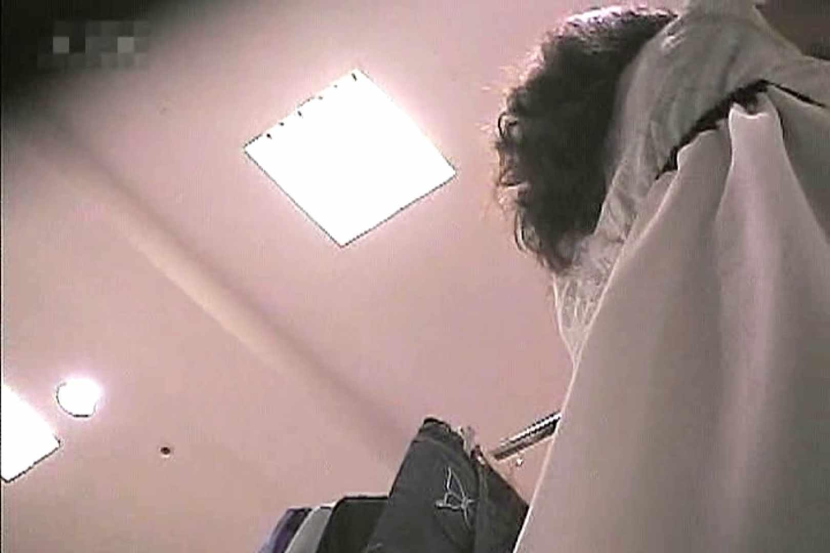 ショップ店員のパンチラアクシデント Vol.10 チラ 盗撮セックス無修正動画無料 60pic 47