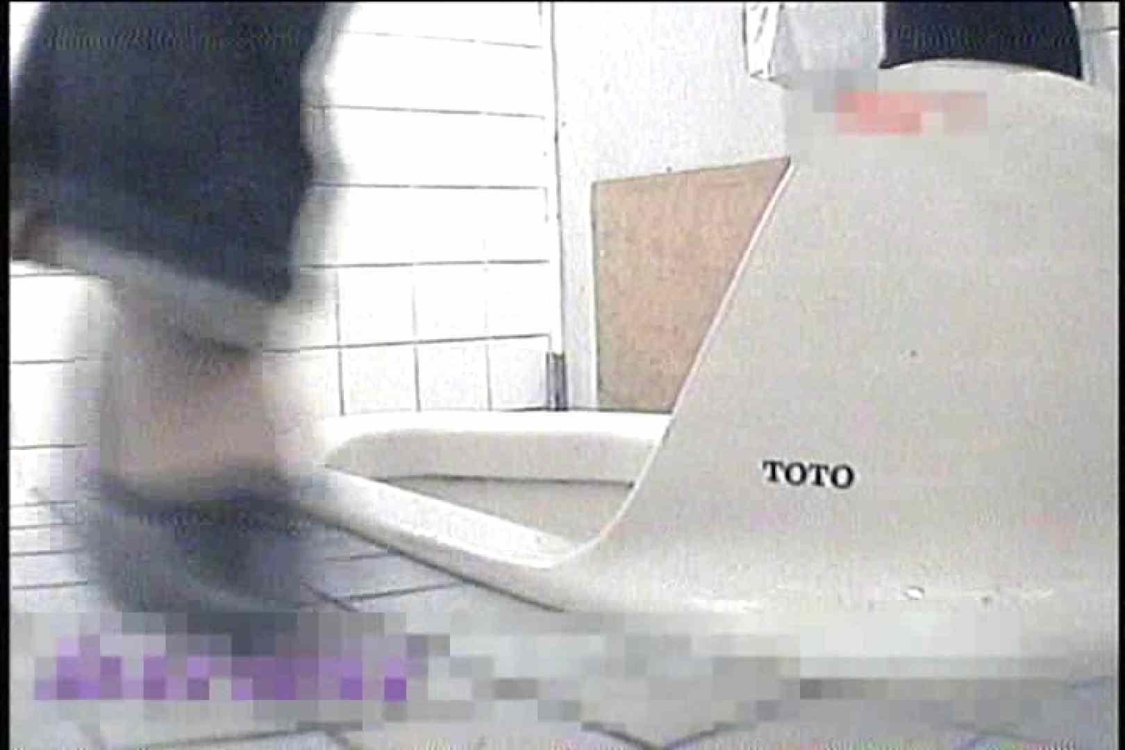 2点盗撮洗面所潜入レポートVol.5 OLの実態 のぞき動画画像 66pic 22