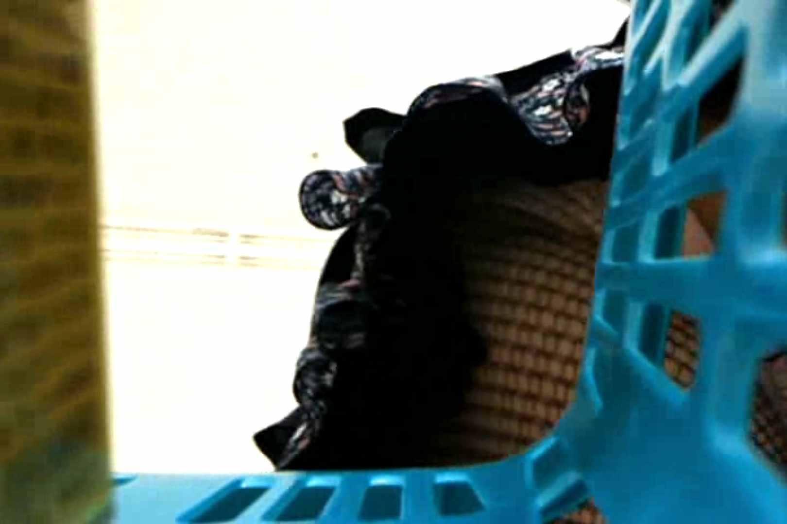 奥さん!おもいっきり生パンツVol.1 熟女の実態 盗み撮りAV無料動画キャプチャ 85pic 39