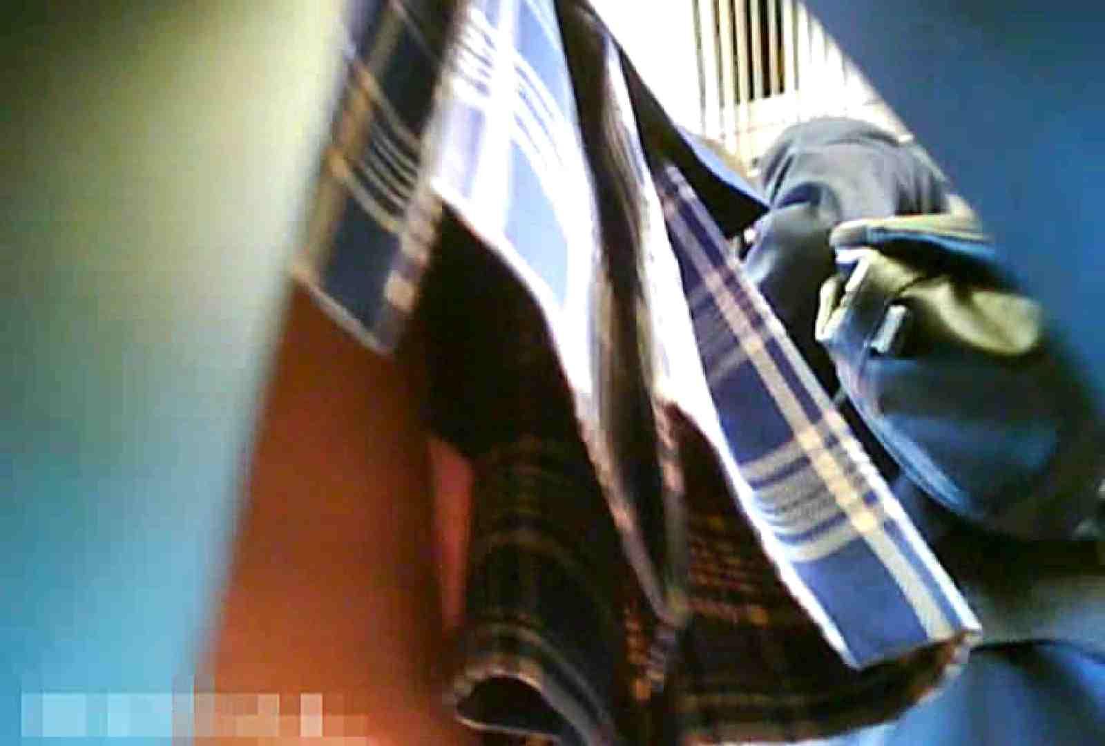 「チキン男」さんの制服ウォッチングVol.7 OLの実態 盗み撮り動画キャプチャ 74pic 35
