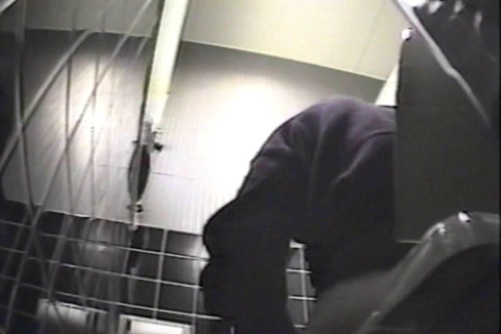 盗撮 女子洗面所3ヶ所入ってしゃがんで音出して 洗面所 盗み撮りAV無料動画キャプチャ 67pic 3