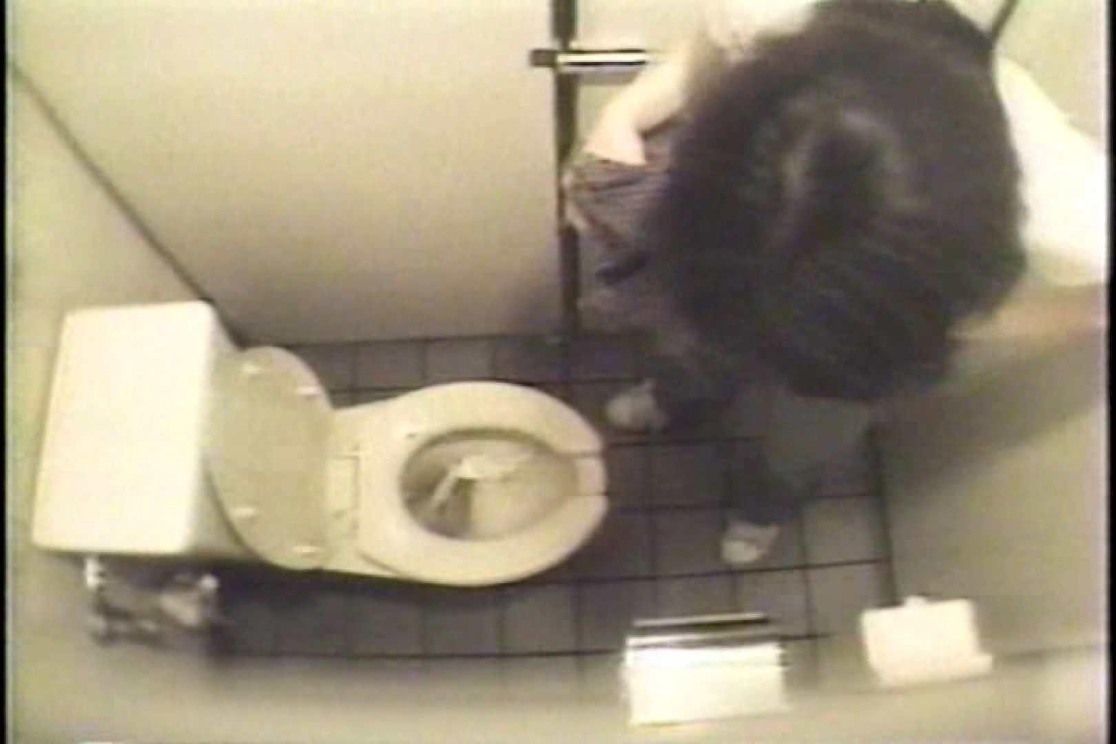 盗撮 女子洗面所3ヶ所入ってしゃがんで音出して プライベート  67pic 4