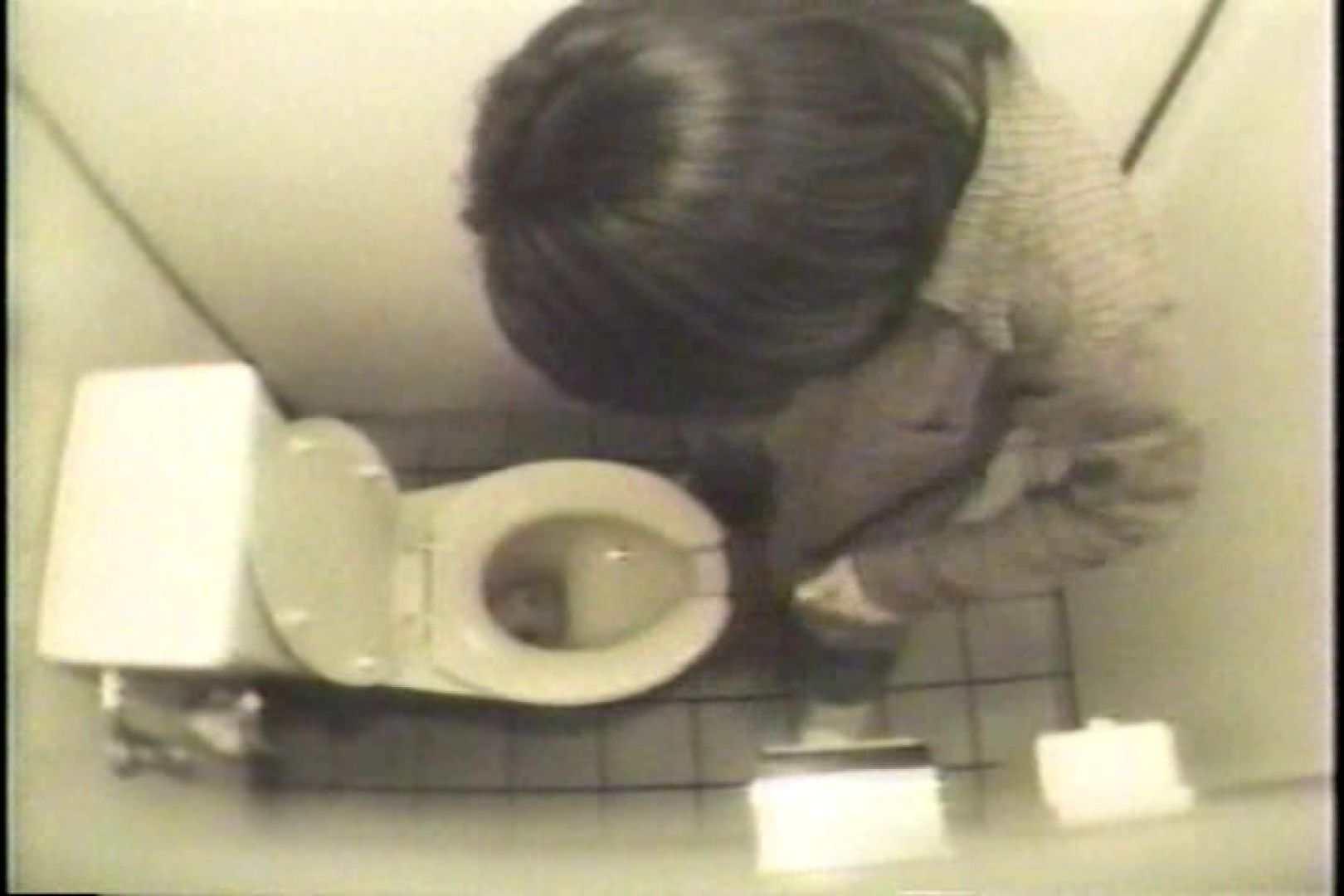 盗撮 女子洗面所3ヶ所入ってしゃがんで音出して 盗撮 おまんこ無修正動画無料 67pic 6
