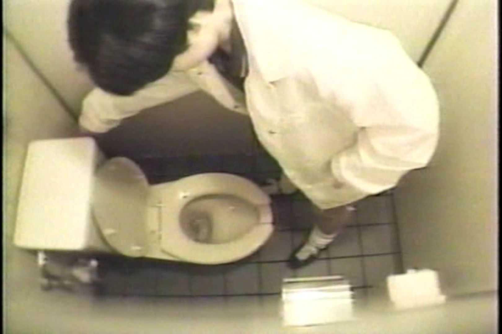 盗撮 女子洗面所3ヶ所入ってしゃがんで音出して プライベート  67pic 12