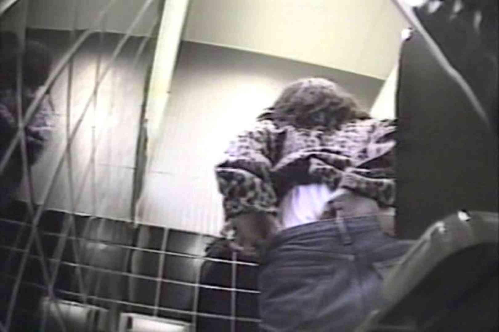 盗撮 女子洗面所3ヶ所入ってしゃがんで音出して 盗撮 おまんこ無修正動画無料 67pic 18