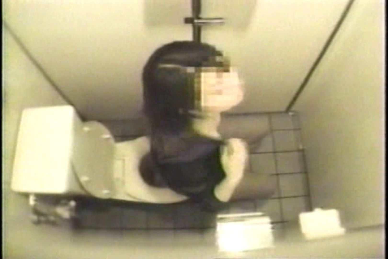 盗撮 女子洗面所3ヶ所入ってしゃがんで音出して プライベート  67pic 40