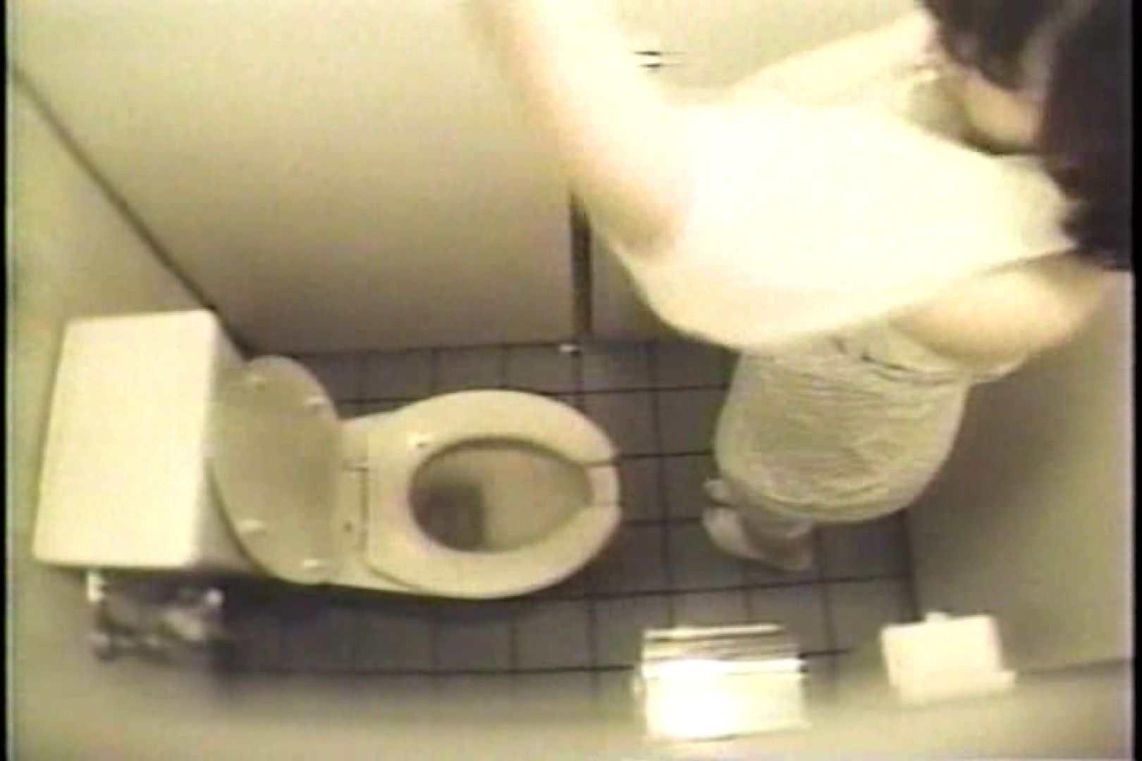 盗撮 女子洗面所3ヶ所入ってしゃがんで音出して プライベート | 和式  67pic 45