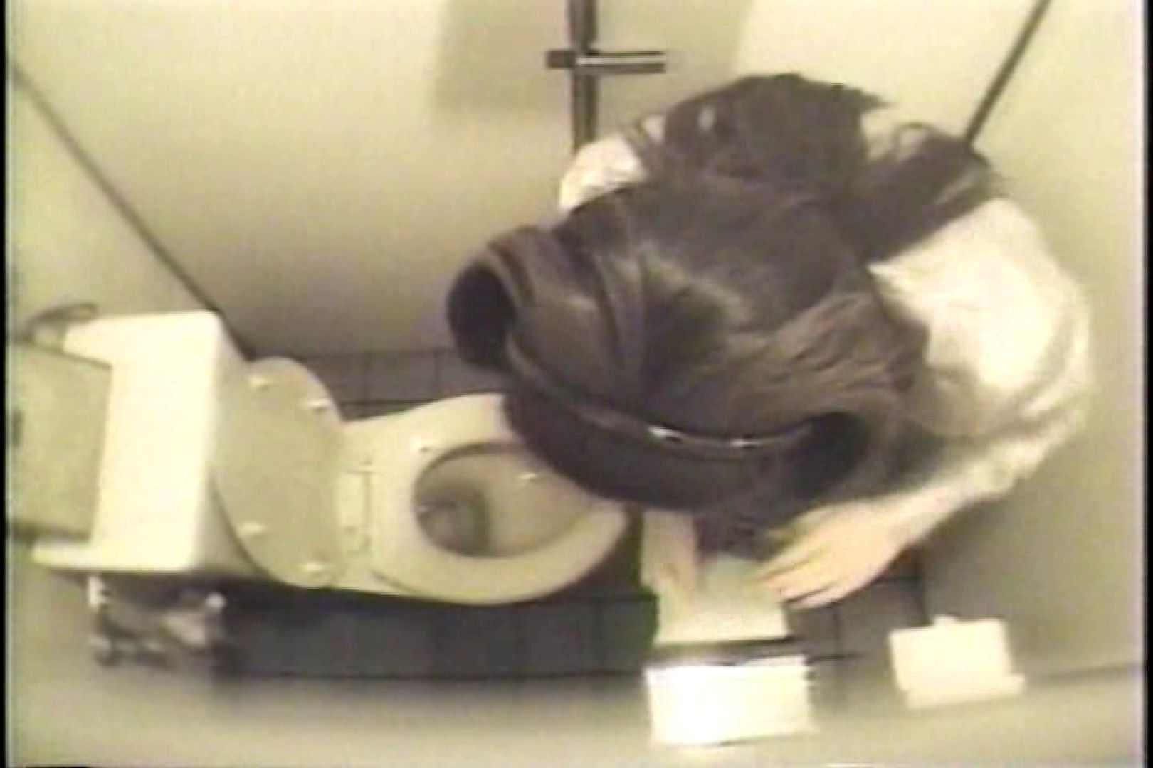 盗撮 女子洗面所3ヶ所入ってしゃがんで音出して プライベート  67pic 60