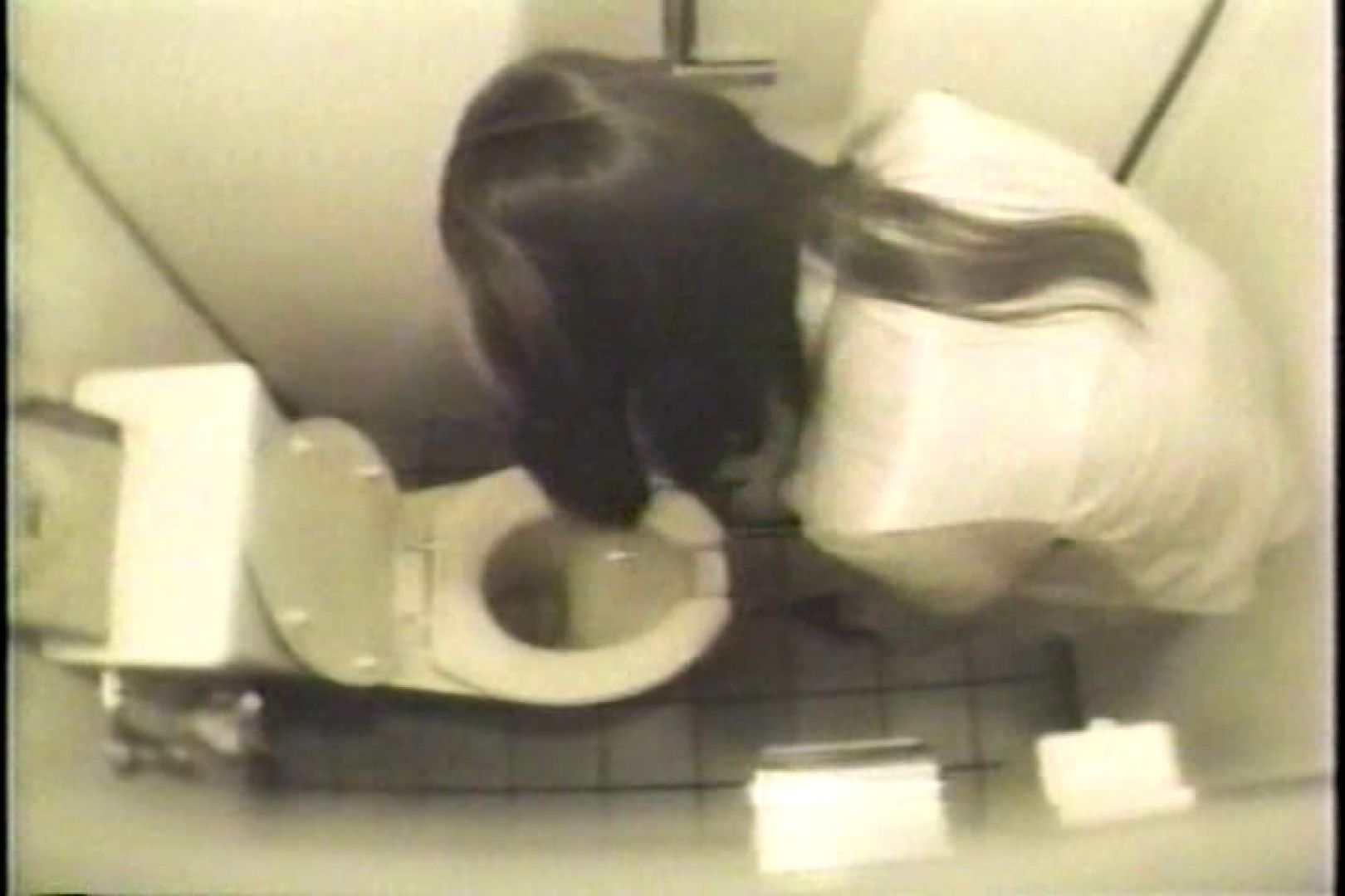 盗撮 女子洗面所3ヶ所入ってしゃがんで音出して プライベート  67pic 64