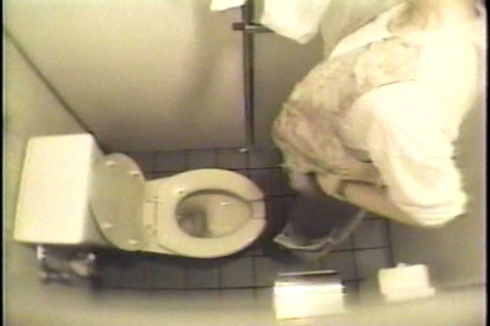 盗撮 女子洗面所3ヶ所入ってしゃがんで音出して プライベート | 和式  67pic 65