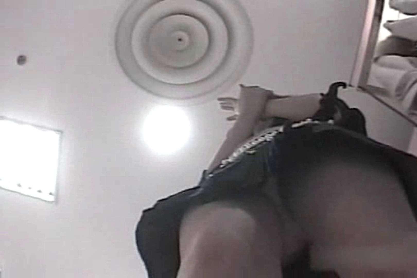 ショップ店員のパンチラアクシデント Vol.17 OLの実態 盗撮われめAV動画紹介 64pic 27