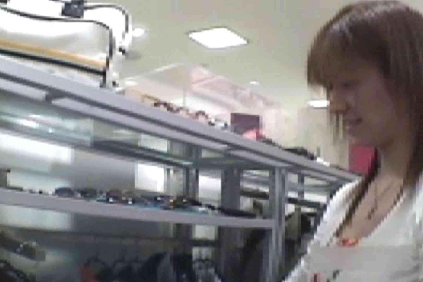 ショップ店員のパンチラアクシデント Vol.19 チラ 盗み撮りオマンコ動画キャプチャ 103pic 2