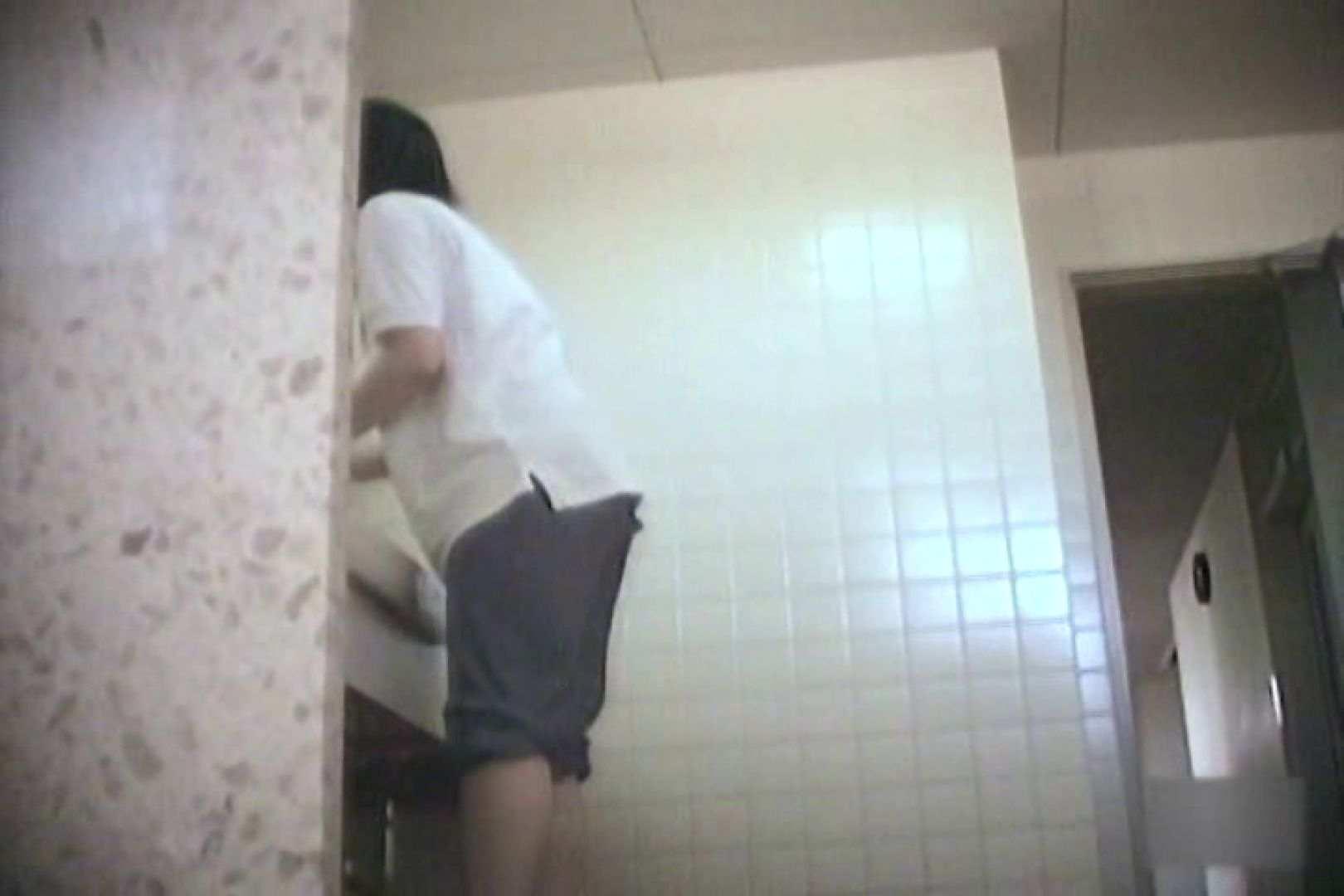 突撃!!看護学校女子洗面所!!Vol.7 学校潜伏 のぞきおめこ無修正画像 80pic 29