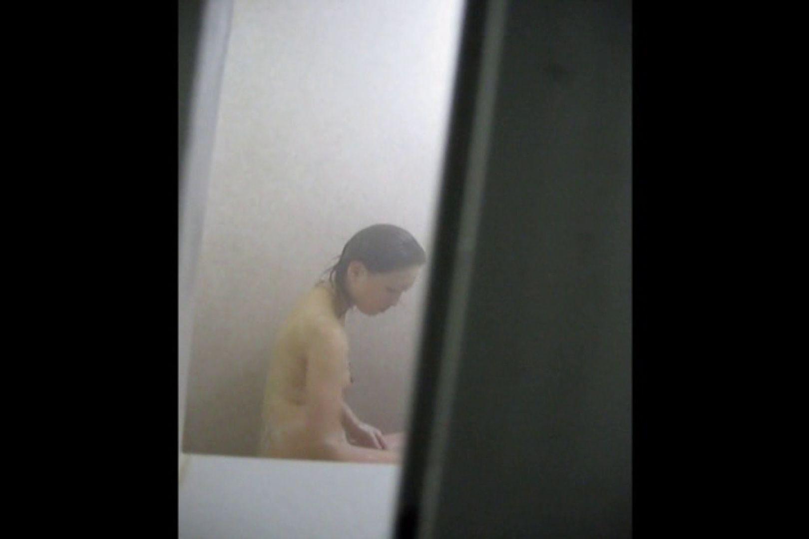 投稿者ハイロスさんのドキドキ覗き主観!VOL.01(一般女性5名 民家浴場編) 覗き ぱこり動画紹介 96pic 31